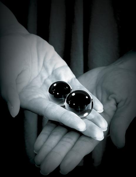 Fetish Fantasy Medium Black Glass Ben Wa Balls