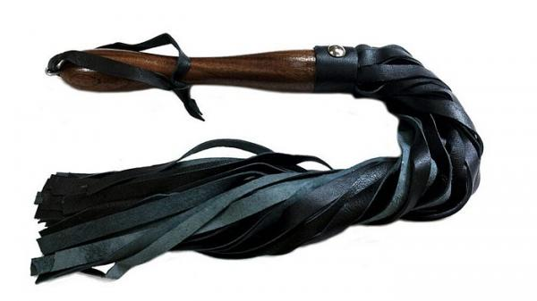 Rouge Leather Wooden Handle Flogger Black